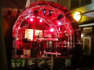 "Farbenfrohe Minibühne - Bühne ""Mini 1"" mit 4m x 2m!"